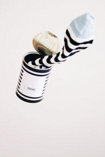 קריינות מקצועית לסרטי תדמית - גרביים בקופסת שימורים