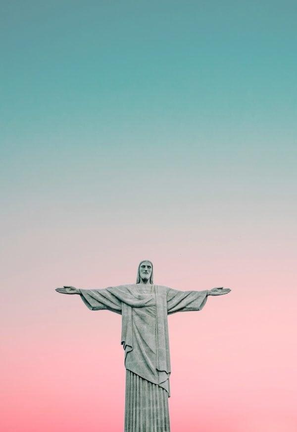 Brazilian Portuguese voice actors - Christ the redeemer