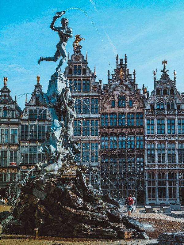 Flemish voice actors - Grote Markt Brussels