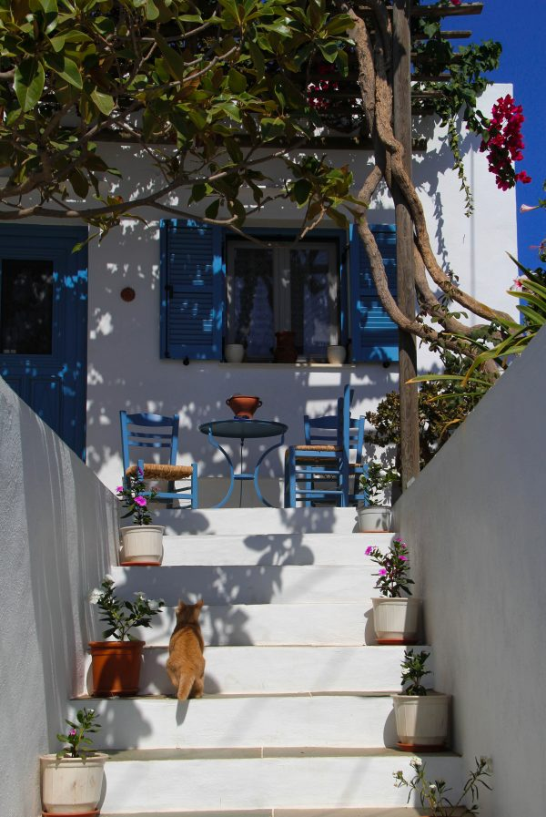Greek voice actors - house in Santorini Greece