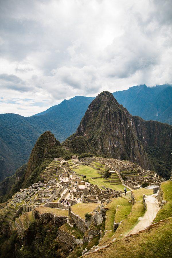 Latin American Spanish voice actors - Machu Picchu