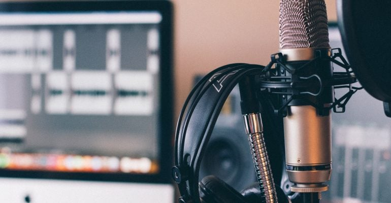 What is voice over - condenser mic headphones and recording software